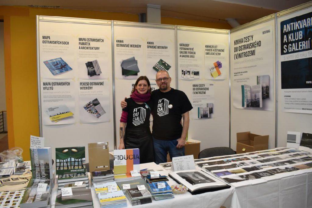 Stánek s našimi tisky a knihami na ostravském Knižním festivalu (2020)